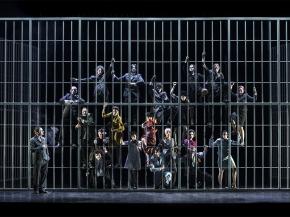 """Il teatro di Brecht e l' """"Opera da tresoldi"""""""